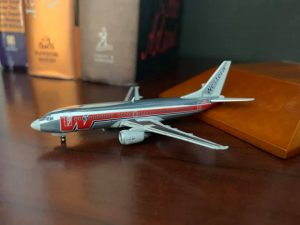 Gemini Jets 1/400 scale Boeing 737-300, Western Airlines Final (Bud Lite) Livery